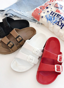 66GIRLSBuckled Strap Slip-On Sandals