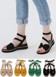 66GIRLSLow Platform Ankle Strap Sandals