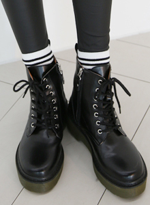 66GIRLSThick-Soled Combat Boots