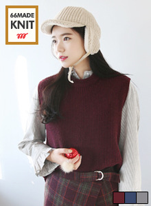 66GIRLSSolid Tone Knitted Vest