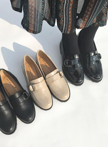 66GIRLSBasic Round-Toed Loafers